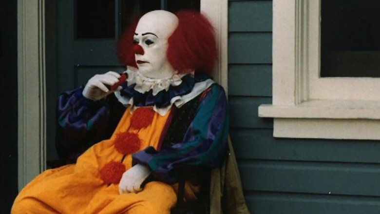 tim curry pennywise clown set photo