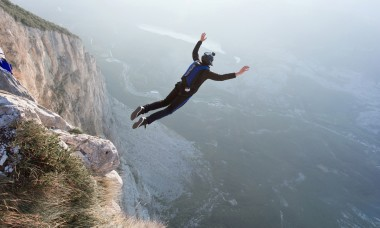daredevils-lost-lives-insane-stunts
