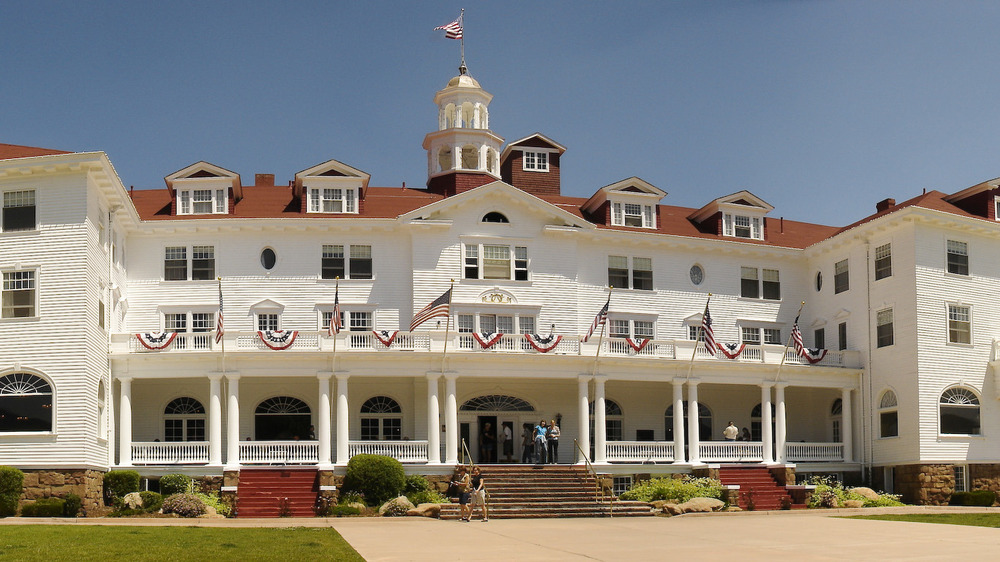 Exterior of Stanley Hotel with flag flying