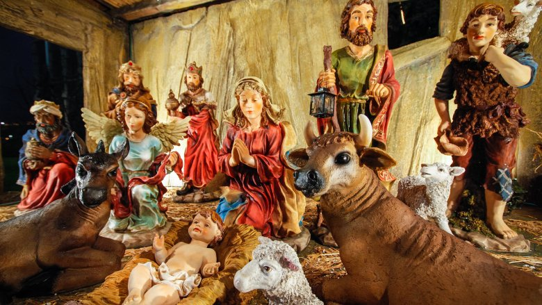 false facts everyone believes about christmas