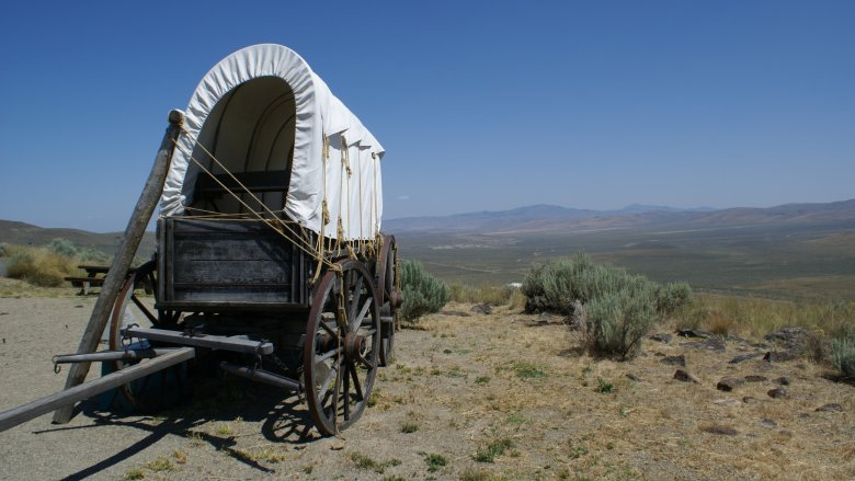 A wagon on the Oregon Trail
