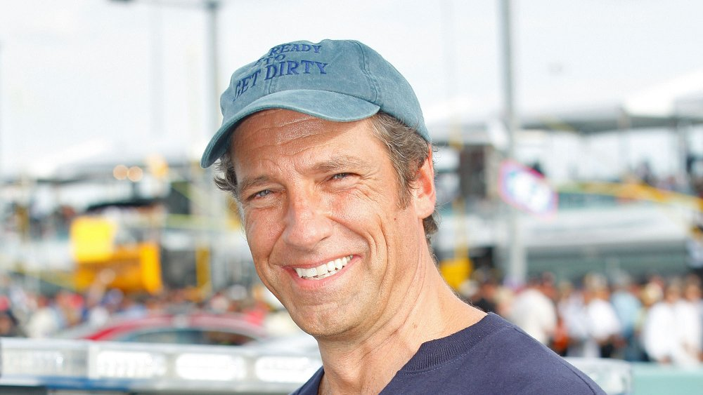 How Much Mike Rowe Is Really Worth Now - Grunge
