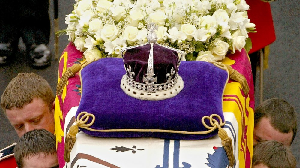 Koh-I-Noor on the Queen Mother's crown