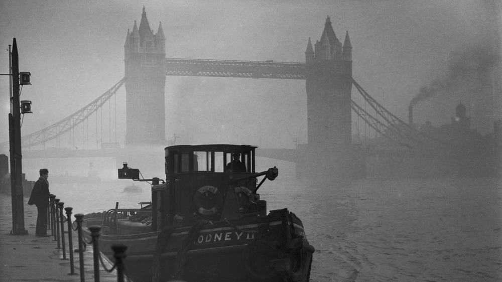 London Smog River Thames