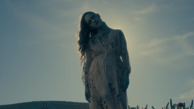 victoria pedretti in the haunting of hill house bent neck lady nell