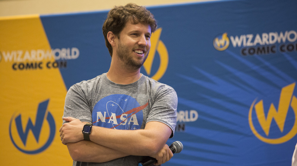 Heder speaks at the 2018 Chicago Comic-Con