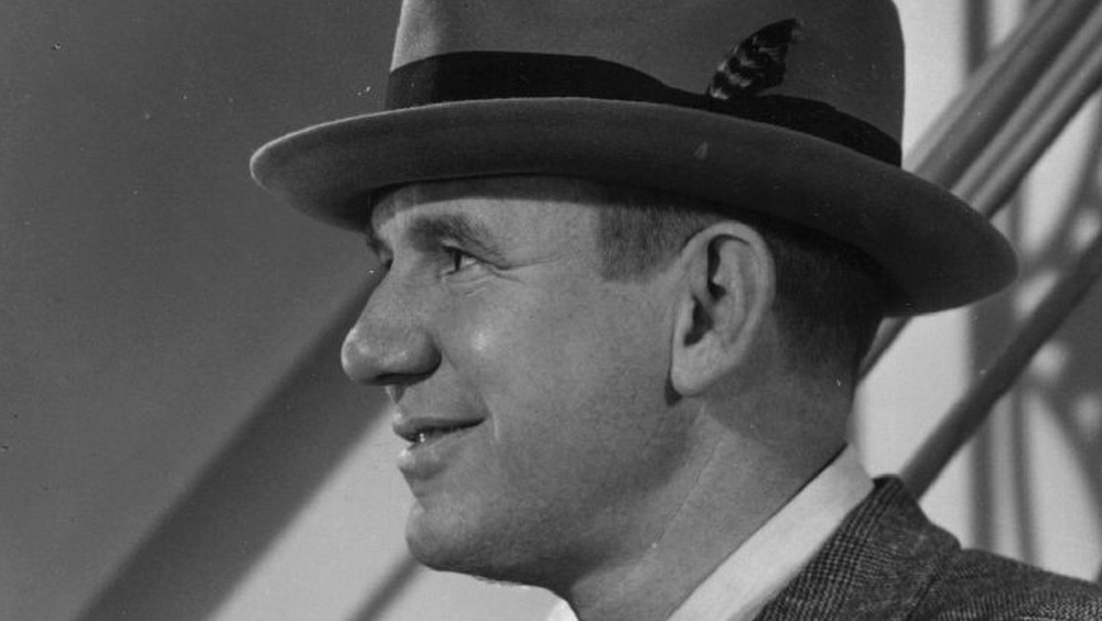 Ted Healy wears a hat