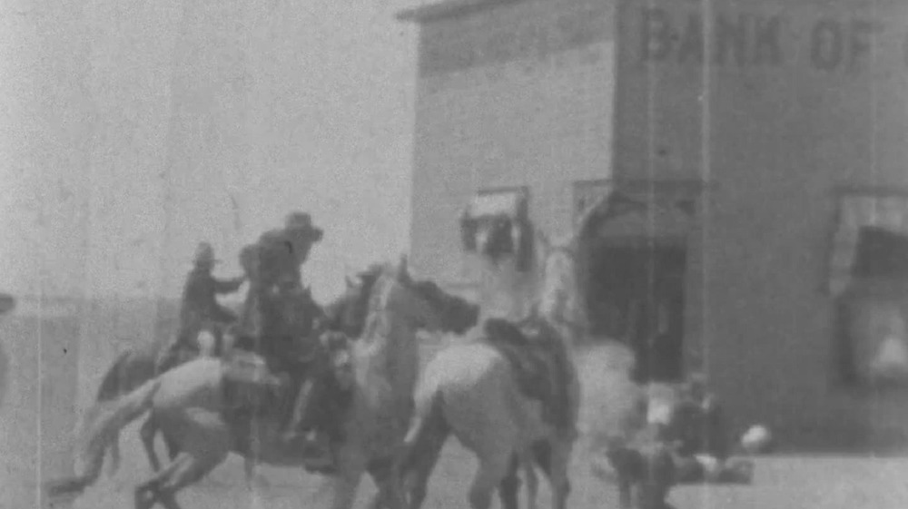 1908 Bank Robbery with men on horses
