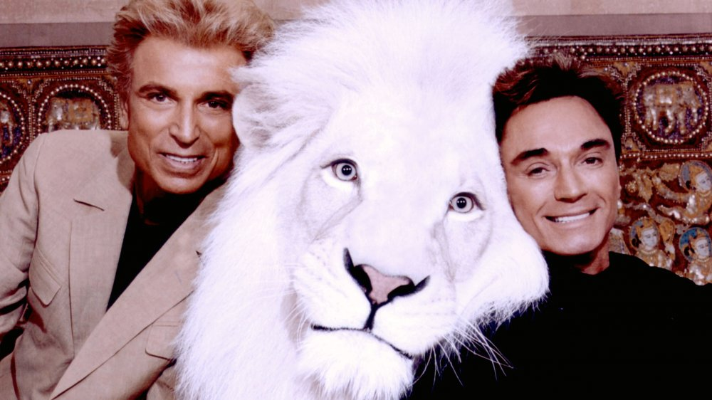 siegfried, roy, and bleachy the lion