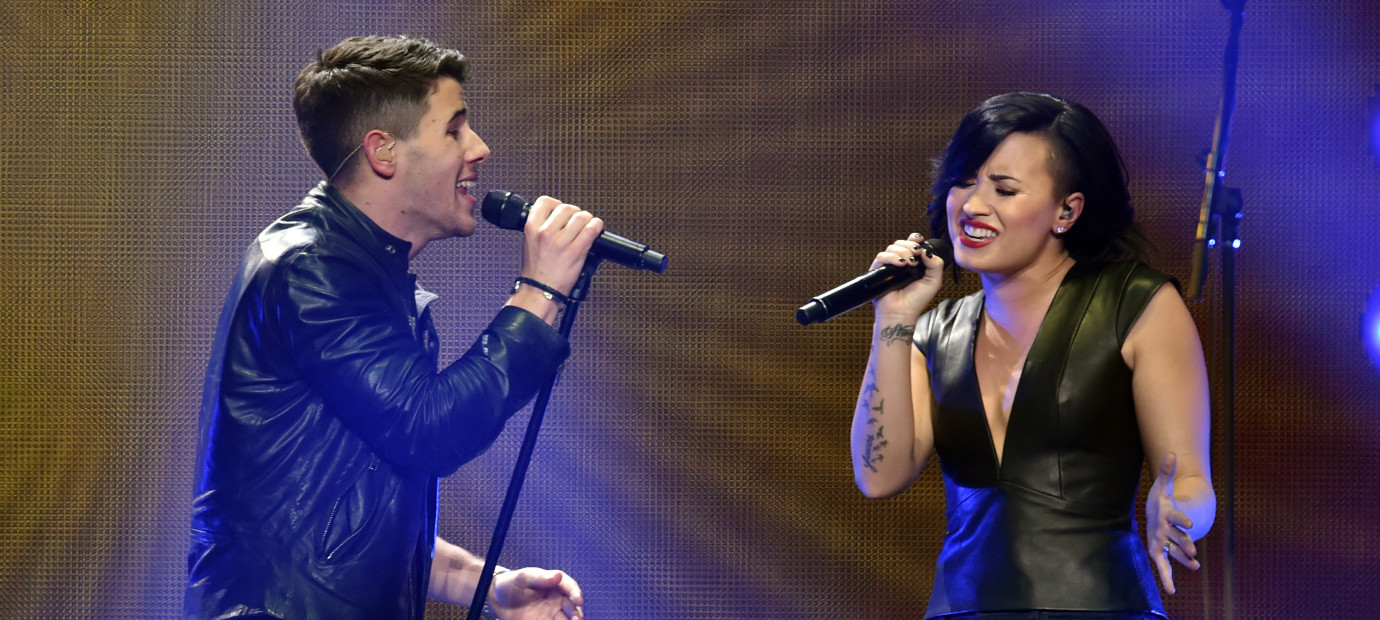 Demi lovato and nick jonas sucky vip package costs 10k m4hsunfo