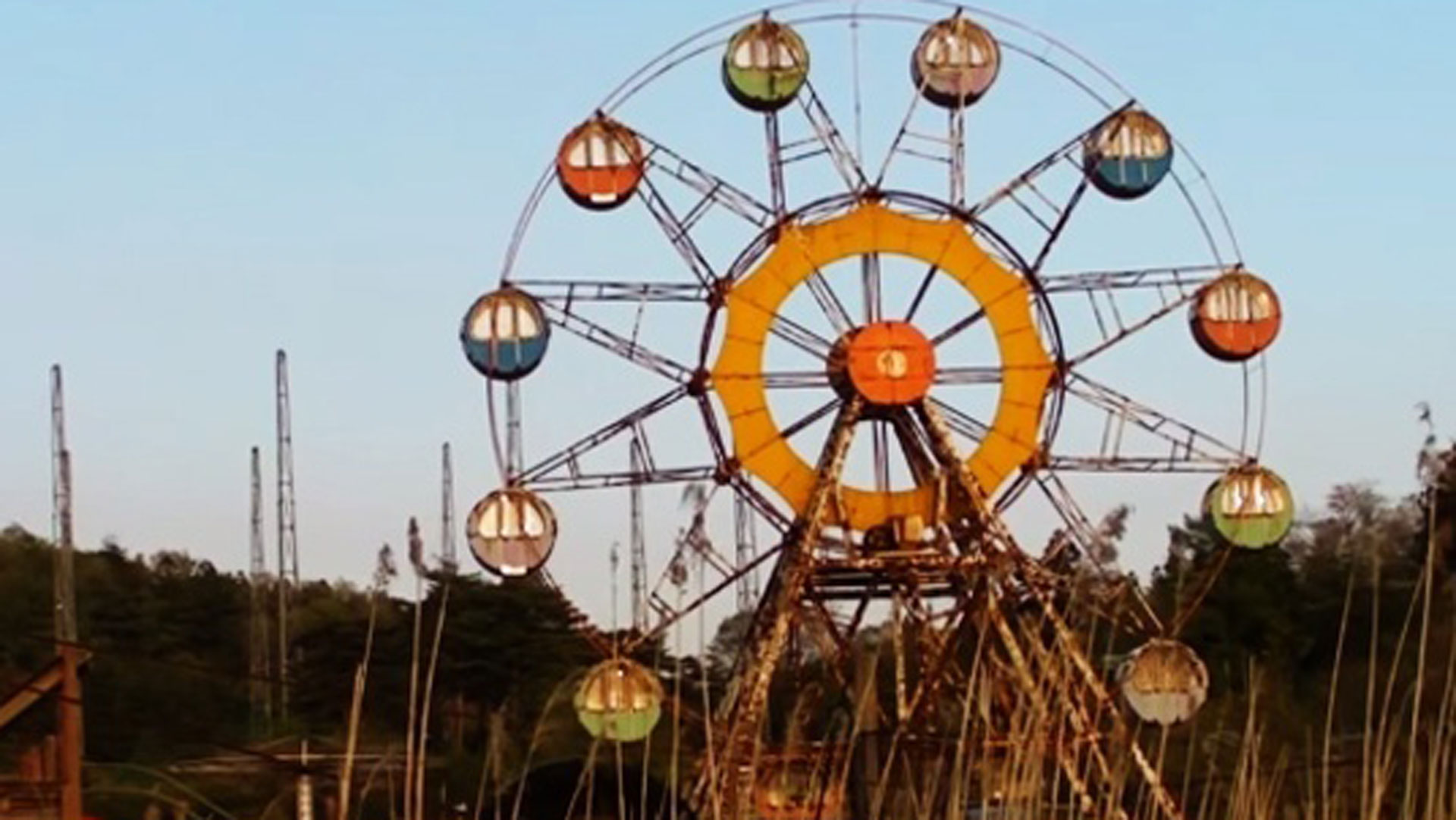 These Abandoned Theme Parks Are Super Creepy